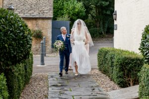 tetbury-hare-and-hounds-wedding
